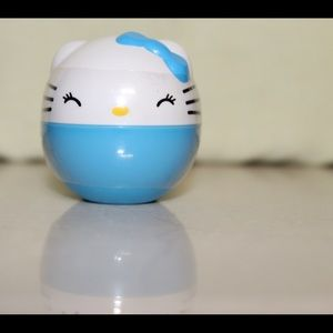 Hello Kitty coin capsule with charm
